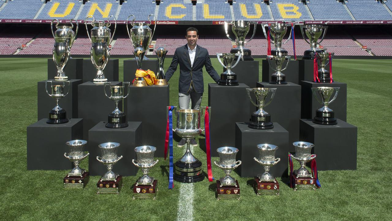 Bar a xavi et ses 24 troph es photo foot espagnol - Championnat espagnol coupe du roi ...