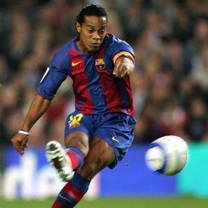 Ronaldinho a reçu une standing ovation de Bernabeu pour son doublé en 2005. Mais qui a marqué le 3ème but?