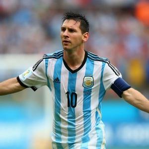 De quelle manière s'est-il fait remarquer lors de sa 1ère sélection avec l'Argentine ?