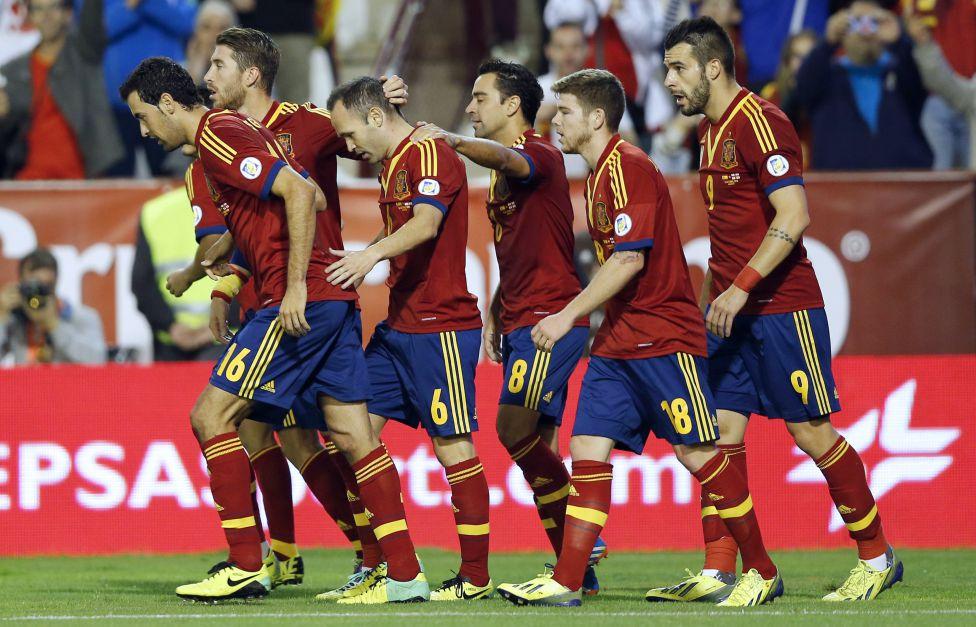 Les plus belles femmes des joueurs de la roja foot espagnol - Coupe de la liga espagnol ...